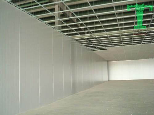 Sử dụng panel PU cách nhiệt làm vách ngăn nhà xưởng