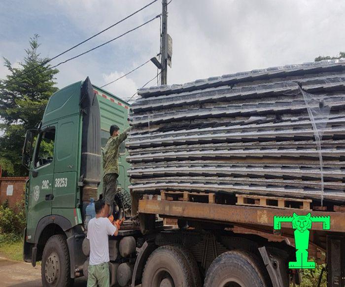 Mua tôn cách nhiệt sóng ngói tại Đà Nẵng, hay bất cứ tỉnh thành nào. Triệu Hổ đều giao hàng tận chân công trình