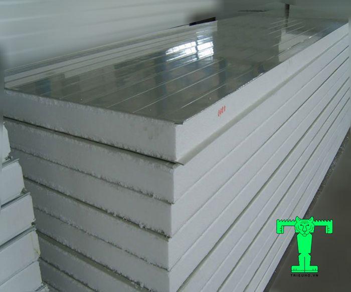 Lưu ý lắp đặt tấm Panel cách nhiệt đó là tránh việc sắp xếp các loại tấm panel không thẳng hàng