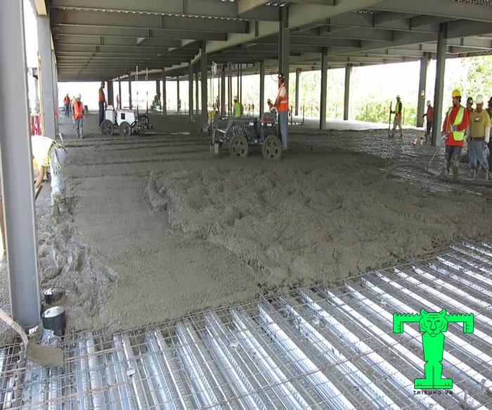 Thi công sàn deck chuẩn kỹ thuật, đơn giản và nhanh chóng cần phải được chú ý từ chuẩn bị đến khâu thi công