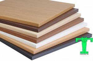 Để ván nhựa PVC có tính thẩm mỹ cao hơn thì vì có thể dán thêm 1 lớp gỗ mỏng bên ngoài